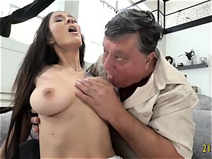 bombshell with hefty boobs romped stiff